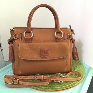 Dooney pebble leather medium pocket satchel